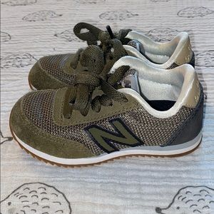 New Balance army green sneakers size 7